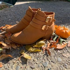 Size 8: Ankle Boot in Tan